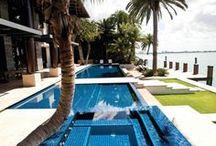 Piscines de rêve / Qui a dit qu'on ne pouvait pas rêver un peu? Venez découvrir les plus belles piscines de luxe.