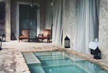 Spa / Un spa est un atout des plus agréables dans une cour extérieure. Venez découvrir des idées relaxantes qui feront rêver!
