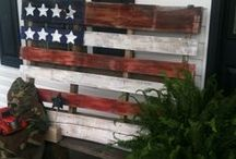 pallet crafts & structures / by Bonnie Johnson