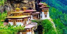 Asia - Bhutan /  Thimphu / Bhutan (Druk, Królestwo Bhutanu – འབྲུག་ཡུལ་ Druk Jul) – państwo w Azji Południowej, we wschodnich Himalajach, graniczące na północy, zachodzie i wschodzie z Chinami, a na południu z Indiami; bez dostępu do morza. Oficjalna nazwa Druk Jul oznacza Królestwo Smoka.