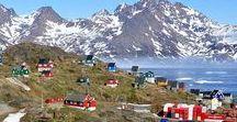 America North - Groenland - Grenlandia / Nuuk / Grenlandia – autonomiczne terytorium zależne Danii położone na wyspie Grenland w Ameryce Północnej, pokrytej w 81% przez lądolód grenlandzki. Grenlandia podzielona jest na cztery gminy - Sermersooq , Kujalleq , Qaasuitsup i Qeqqata . Wikipedia