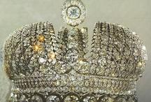 crowns,tiaras