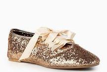 shoes<3 / by Daniela Ortiz