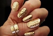 Gold / Everything made out of gold!