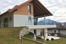 Designwelt home pure / Geradlinige, kantige Formensprache und modernes Design der home pure Fenster und Türen unterstreichen die Architektur Ihres Gebäudes. Die flächenversetzten Systeme passen sich Ihrem puristischen Wohnstil perfekt an.