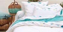 COLLECTION PALERME / parure de linge de lit en percale blanche  avec un revers bleu turquoise Drap de Plage Bleu, linge de table et cuisine en coton chambray