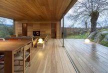 INTERIOR IN WOOD / Intérieurs en bois