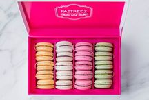 Macarons Gift Box / Online Macarons Store. Baked by French Chefs. This gift box is the perfect idea for her and to enjoy sweet treats. Our colorful macaroons are delicate cookies baked upon order. Try Pastreez Today !