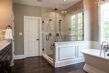 Bathrooms / by Heidi Carter
