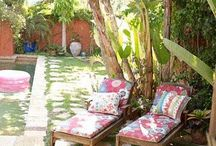 Tropical oasis / Relaxation Garden / Tropical garden vibes / Inspiration for your relaxing  backyard outdoor space