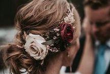 Flores no cabelo | Casamento / #wedding #casamento #bride #noiva #cabelo #hair #hairstyle #flowers #flores