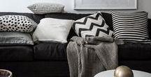 DÉCO | Noir & Blanc / À la fois sophistiquée et raffinée, la déco noir et blanc donnera beaucoup de classe à votre intérieur. Le bois brut des griffoirs HOMYCAT et la déco dichromatique offriront contraste élégant. Ce style de déco en harmonie avec les matériaux bruts sont un duo indémodable !
