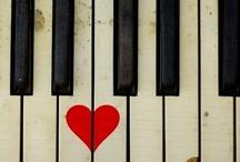 I <3 Hearts / by Tiffany Kennedy