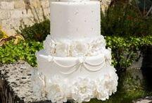 White Cakes / White cakes, cakes with white fondant, white frosting.
