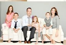 What to wear: family / Puedes ver acá ideas de prendas y colores que quedan bien en conjunto. Fíjate en el uso de capas, como se combinan prendas de distintas texturas y el uso de accesorios para hacer más atractivo el conjunto. Recuerda que un buen vestuario hace toda la diferencia!!!