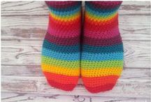 Hookin' Slippers, Sandals, Barefoot Sandals, & Socks. / Free Patterns. No baby sizes.