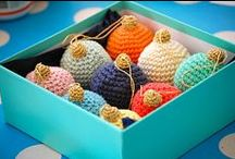 Hookin' Ornaments, Snowflakes & Stockings. / Free Patterns.