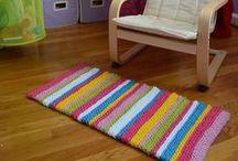 Hookin' Pillows & Rugs. / Free Patterns.