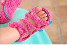 Hookin' Baby Booties & Other Footwear. / Free Patterns.