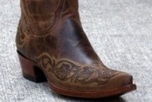Boot's- made for walkin' / by Karen