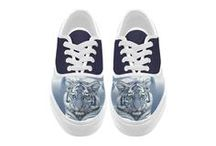 Men: Shoes and Sneakers / Canvas and leather shoes. Running shoes. Canvas sneakers: slip on, low top , hight top