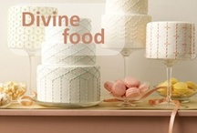 Divine food / In this boards you'll find pins from food that looks heavenly. #food #cupcakes #cakes / by Claudia Alvarado