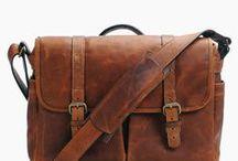 BRAND: ONA / http://www.designstraps.de/ona  Wir sind stolzer ONA Partner! Kamerataschen, Kameragurte aus Leder und mit Design.  Hochwertige Kamerataschen für stilbewusste Fotografen. Die Taschen verbinden Funktion mit Design und sollen nicht nur die Foto-Ausrüstung bequem tragen, sondern auch den Stil des Fotografen ergänzen.  English: http://www.designstraps.com