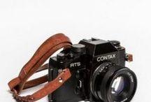 BRAND: Ciesta / http://www.designstraps.de/ciesta Fototaschen, Kameragurte mit Stil. Zeitlose Ästhetik, klare Formen und dauerhafte Materialien. Ansprüche, die ihr an einen Tragegurt oder eine Kameratasche stellt und die DESIGNSTRAPS für euch in der Welt ausfindig macht. Mit der Marke CIESTA aus Korea haben wir dabei genau den richtigen Partner gefunden. Zeitlos schön und hochwertiges Fotozubehör.