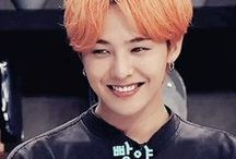 """G-Dragon / Stage Name: G-Dragon (지드래곤) Birth Name: Kwon Ji Yong (권지용) Position: Leader, Main Rapper, Vocalist, Face of the Group Birthday: August 18, 1988 Zodiac Sign: Leo Birth Place: Seoul, South Korea Height: 177 cm (5'10"""") Weight: 58 kg (128 lbs) Blood Type: A Instagram: @xxxibgdrgn Twitter: @ibgdrgn Facebook: gdragon Me2day: @g-dragon"""