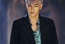 "T.O.P / Stage Name: T.O.P (최승현) Birth Name: Choi Seung-hyun (최승현) Position: Lead Rapper, Vocalist, Visual Birthday: November 4, 1987 Zodiac Sign: Scorpio Birth Place: Seoul, South Korea Height: 181 cm (5'11"") Weight: 65 kg (143 lbs) Blood Type: B Me2day Account: @topofbb Instagram: @choi_seung_hyun_tttop"