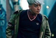 "Seungri / Stage Name: Seungri (승리) Birth Name: Lee Seung Hyun (이승현) Position: Lead Dancer, Vocalist, Maknae Birthday: December 12, 1990 Zodiac Sign: Sagittarius Birth Place: Gwangju, South Korea Height: 177 cm (5'10"") Weight: 60 kg (132 lbs) Blood Type: A Instagram: @seungriseyo Twitter: @ForvictoRi Me2day: @viofbb"