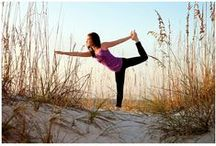 Outdoor Yoga / Yoga poses in the outdoors are always inspiring.