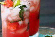 Drinks / by Kimberly Tharp