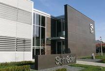 Nuova sede Schreder SpA / Nuova sede Schreder SpA, via Valdellatorre 131, Caselette. Progetto di Oscar Battagliotti, 2008. Vincitore di Architetture Rivelate 2009. © Gero Merella