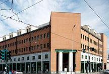 """Palazzo per uffici """"Casa Aurora"""" / Palazzo per uffici """"Casa Aurora"""", corso Giulio Cesare, Torino. Progetto di Aldo Rossi / Collaboratori: G. Brughieri, M. Scheurer, G. Ciocca, G. Da Pozzo, 1987. Vincitore di Architetture Rivelate 2005. © Angelo Morelli"""