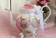 China~Tea Pots and Roses