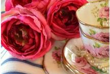 China~Tea Cups and Roses 2