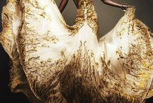 Golden Gowns / Because every big day could use a bit of sparkle.