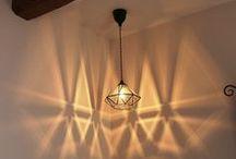リビングの照明 / リビングのメイン照明におすすめのライトをご紹介します。シャンデリアやスポットライトなどメイン照明はお部屋のイメージを左右する大切な照明です。またリビングのペンダント照明は設置場所によってもかなり印象が変わります。DLで明るさを補ったりしながら居心地のよいリビングを作りましょう。ご相談・お問い合せはSELFISH(0776-37-3252)までお気軽にどうぞ。TELは13-18時※月火定休 http://selfish-netshop.com/