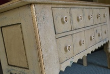 Color: Hand-painted Decorative Furniture / Detailed hand painting ideas for walls, furniture and more.