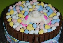 Easter crafts and decorating DIY / by Sara Copple Nash