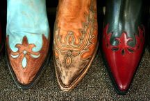 Cowboy Boots & Western stuff / by Kristen Chavers