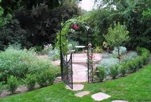 garden & outdoors / by Linda Feeley