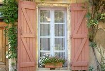 Peach Cottage / Cottage charm in peach! / by Patty Dahl