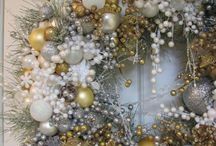 Christmas 2015 is..Metallic & White.  Can be Gold, Silver & Bronze .... / Christmas in Cairns ....