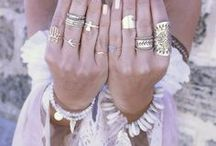 Bijoux ∞ Jewelry / Beaux bijoux - bracelets, colliers, bagues, boucles d'oreille...  Beautiful jewelry - bracelets, necklaces, rings, earrings ...