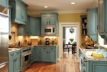 Kitchen/Dining makeover idea's / by Necia Shelton