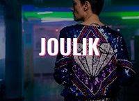Joulik / Peças atemporais e bordadas à mão são a marca registrada da JOULIK, que tem forte influência do movimento art decor e uma pitada rocker.