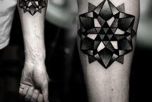 Tattoo / Best geometric and sailor roger tattoos