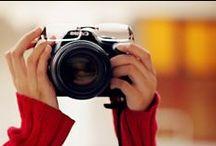 Say cheese... / cámaras de fotos, gente haciendo fotos  / by Be Fashionably